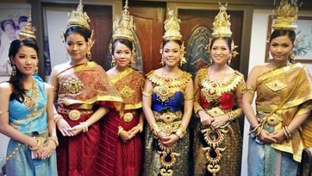 เช่าชุดไทยประยุกต์