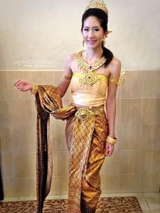 ชุดไทยประยุกต์_010