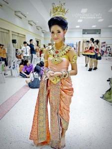 ชุดไทยประยุกต์_011