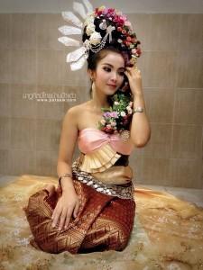 ชุดไทยประยุกต์_024