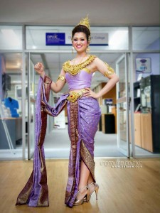 ชุดไทยประยุกต์_027